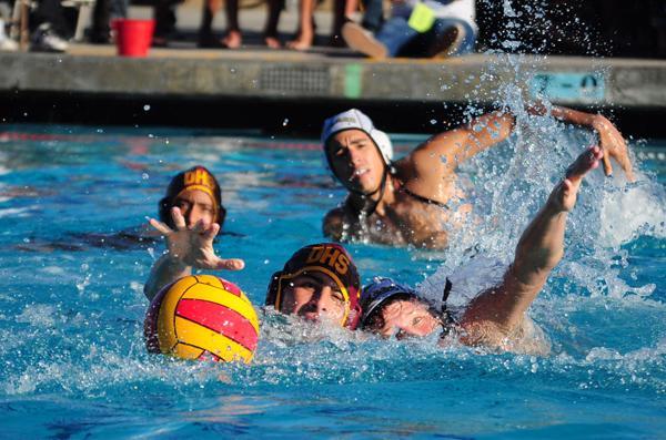 Water polo defeats Warren 10-9