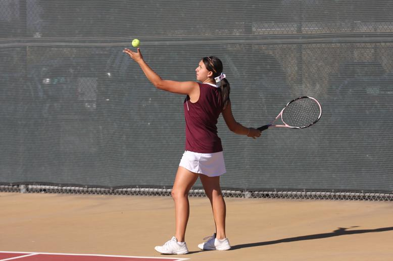 Girls tennis advances to CIF