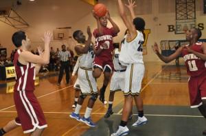 Boys basketball gains SGVL title; advances to CIF