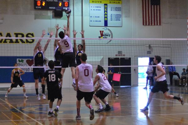 Boys' Volleyball faces a heartbreaking loss to Warren: 0-3