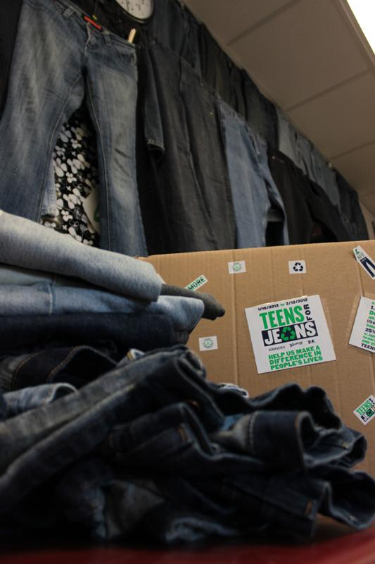 Vikings support Aéropostale's Teens for Jeans
