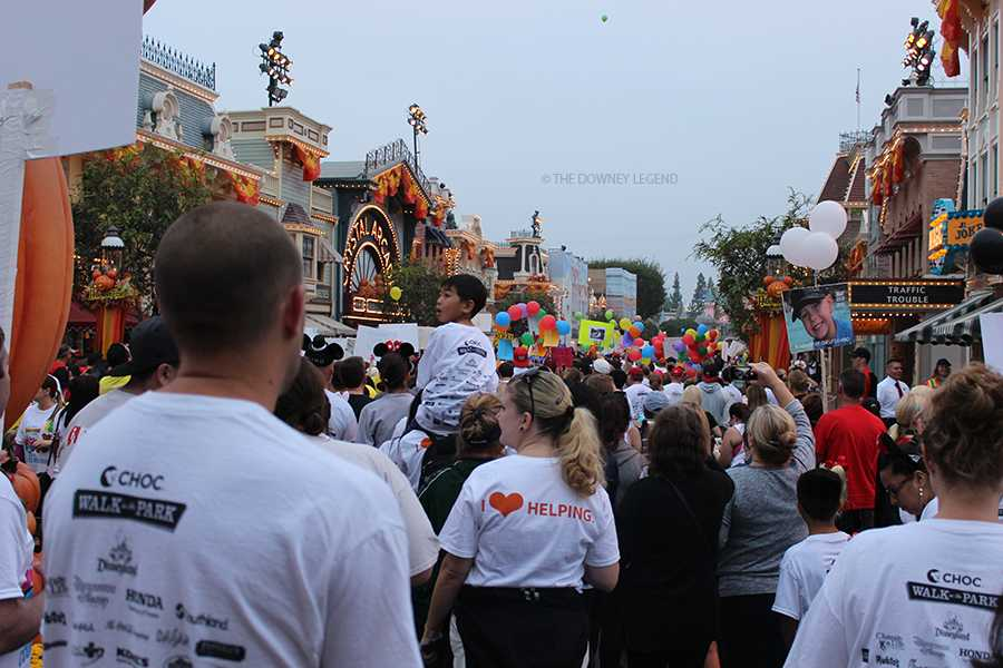 On+Sunday+Oct.+12%2C+nearly+16%2C000+people+gathered+at+Disneyland+to+participate+in+the+annual+CHOC+Walk+in+the+Park+to+support+the+largest+pediatric+fundraising+event+in+the+country.+The+single+day+event+raised+a+grand+total+of+2+million+dollars.+