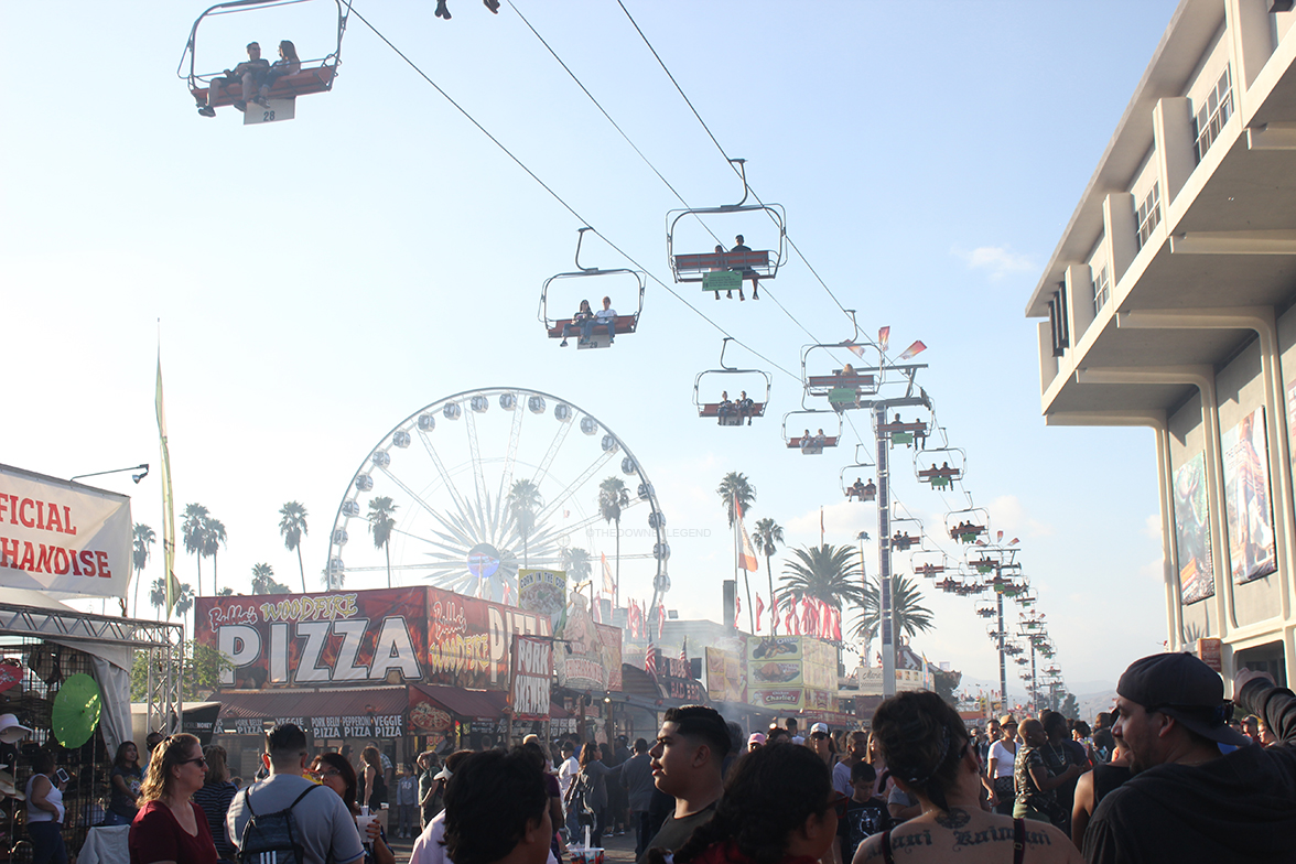 The afternoon is the peak of the fair, with people crowding around food stands,  lining up for rides, and watching the Taylor Swift experience. The lift and ferris wheel showed to be a popular choice among fair attendants.