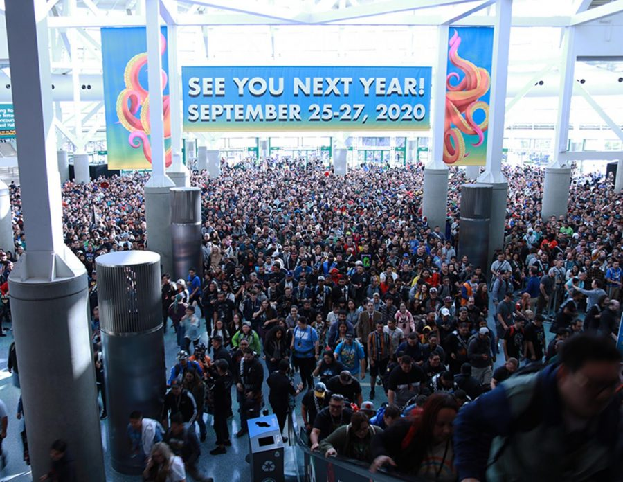 As soon as the clock struck 9:30 A.M the eager fans of Los Angeles Comic-Con faced into the convention hall. Security guards could be heard telling fans to stop running to prevent injuries.