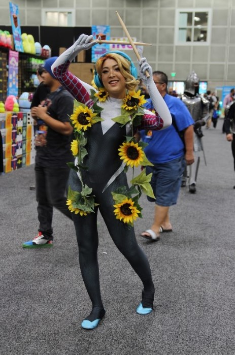 """Dedicated to her passion, Joseline Gomez, cosplaying as Spider Quinn, has been cosplaying at Comic-Con for eight years. Amazed by her character, """"I love the character so much, she is one of my favorite characters over all of them,"""" Joseline stated. """"Once she came out in Spider Universe I was drawn to the cosplay of Spider Quinn."""""""